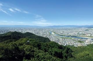 金華山の頂からの眺め